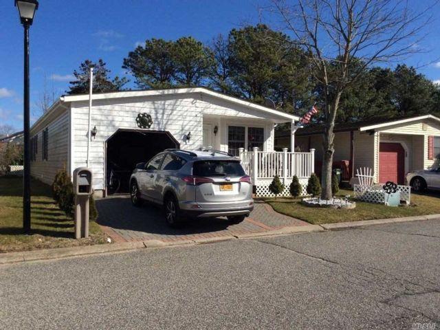 [Manorville Real Estate, listing number 3141685]