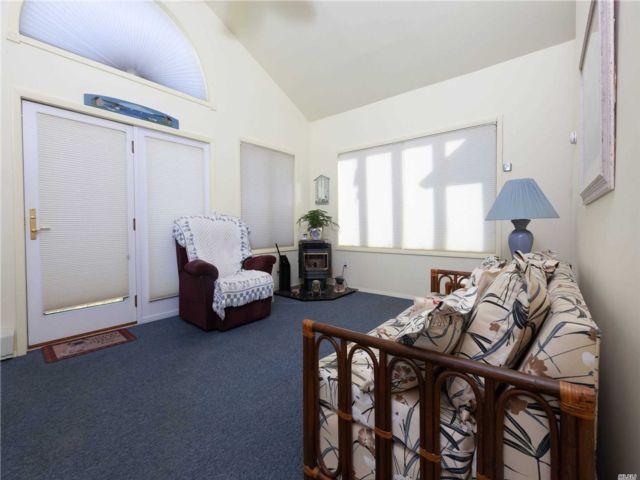 [Merrick Real Estate, listing number 3142015]