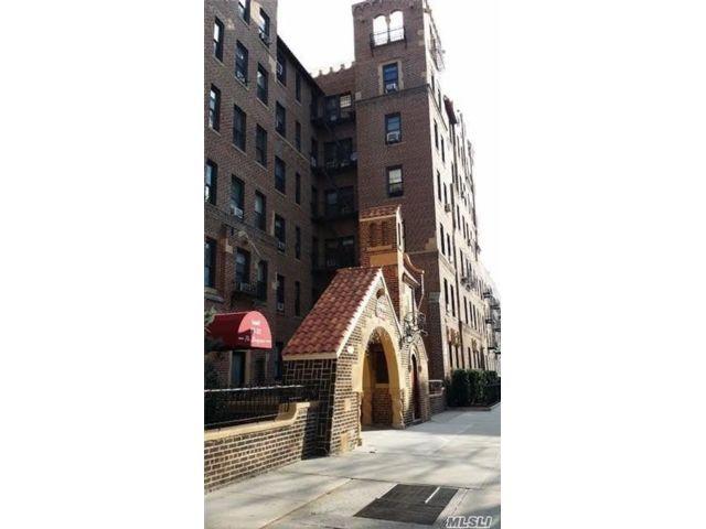 [Jackson Heights Real Estate, listing number 3142240]