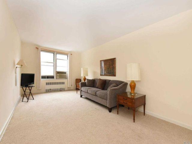 [Jackson Heights Real Estate, listing number 3142293]