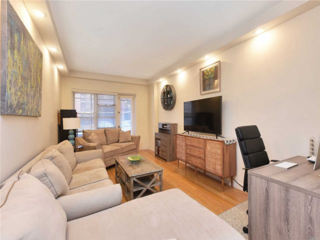 [Jackson Heights Real Estate, listing number 3142407]