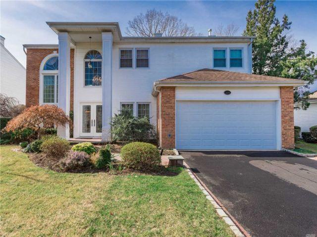 [Commack Real Estate, listing number 3142676]
