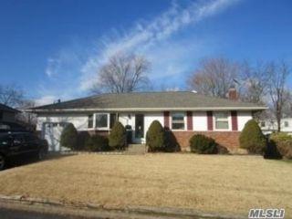 [Commack Real Estate, listing number 3142867]