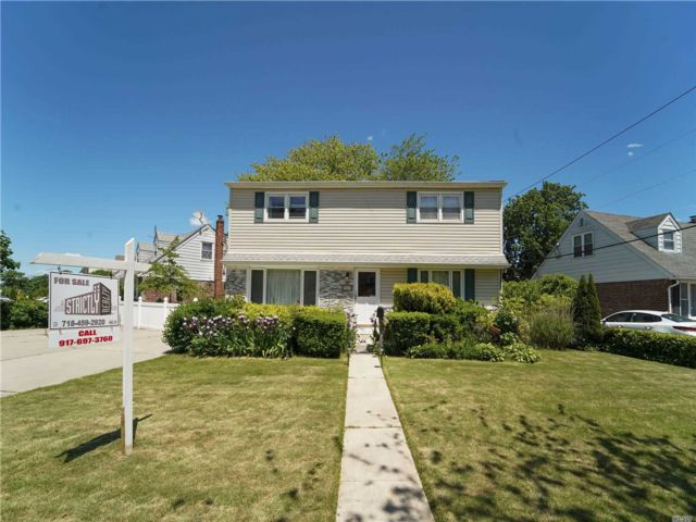 [East Meadow Real Estate, listing number 3143371]