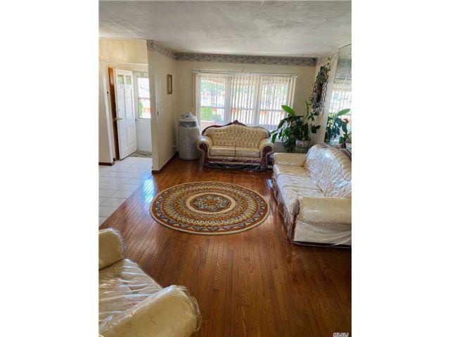 [Rosedale Real Estate, listing number 3143385]