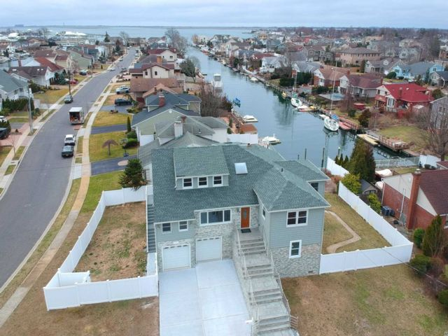 [Merrick Real Estate, listing number 3143480]