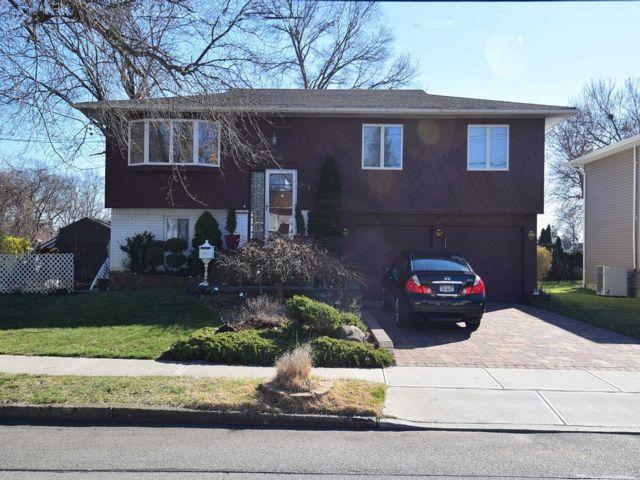 [Merrick Real Estate, listing number 3143518]