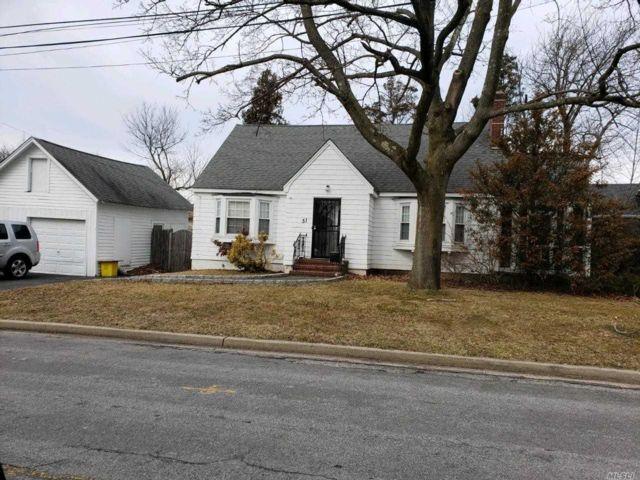 [Farmingdale Real Estate, listing number 3143582]