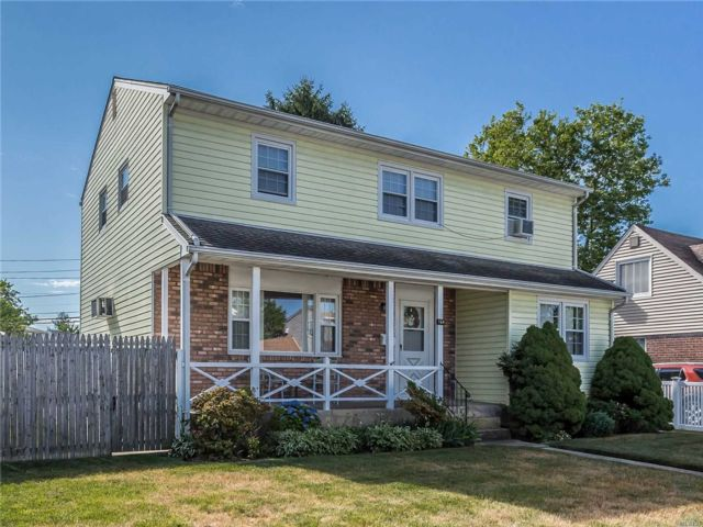 [East Meadow Real Estate, listing number 3143928]