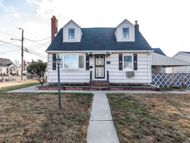 [East Meadow Real Estate, listing number 3144087]