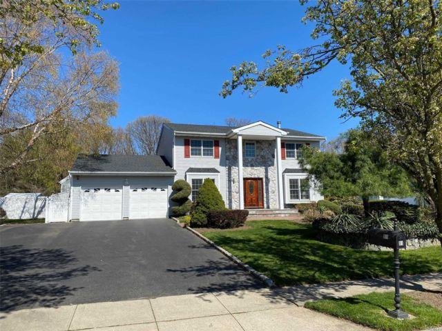 [Commack Real Estate, listing number 3144197]