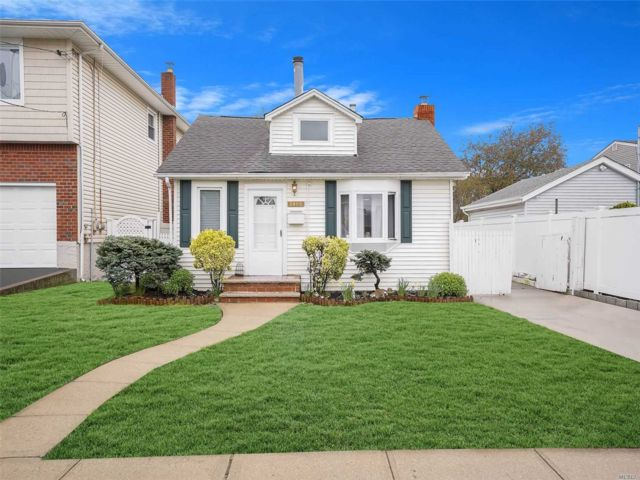 [Bellmore Real Estate, listing number 3144401]