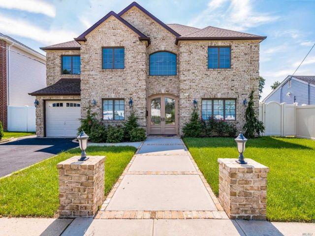 [Merrick Real Estate, listing number 3144418]