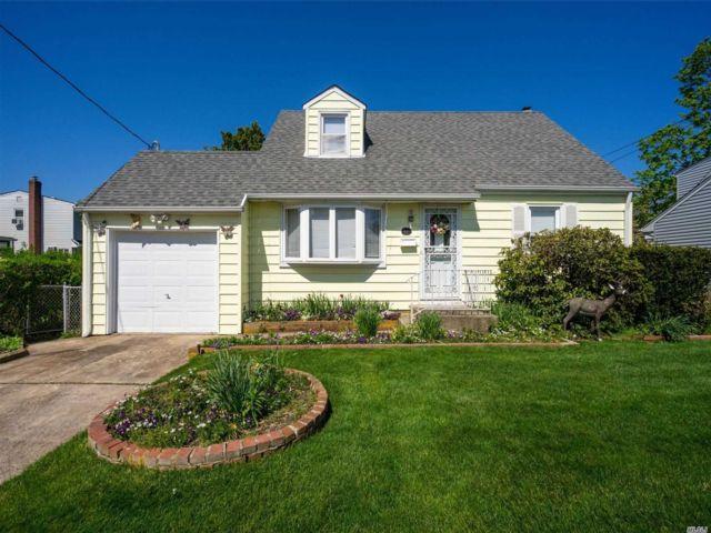 [Farmingdale Real Estate, listing number 3144627]