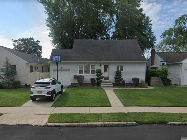 [East Meadow Real Estate, listing number 3145259]