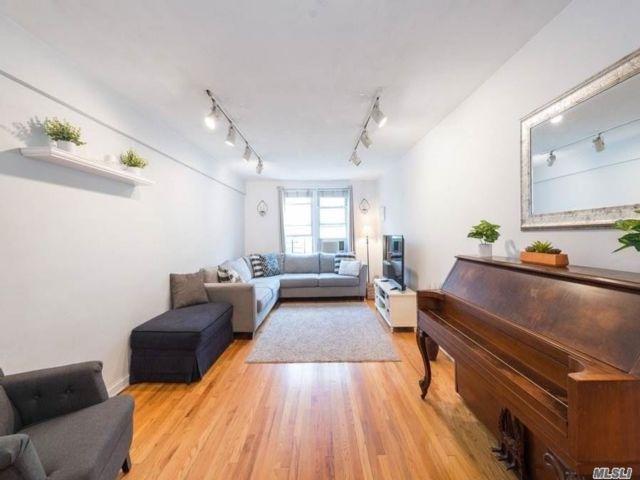 [Jackson Heights Real Estate, listing number 3145881]
