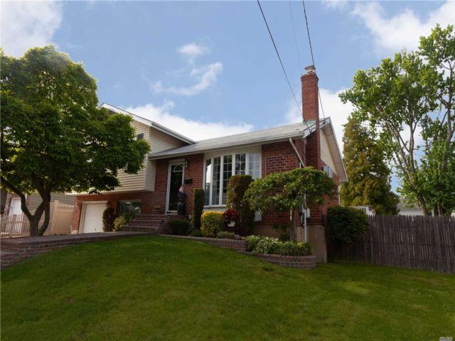 [Farmingdale Real Estate, listing number 3146200]