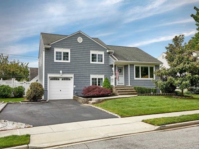 [Wantagh Real Estate, listing number 3146330]