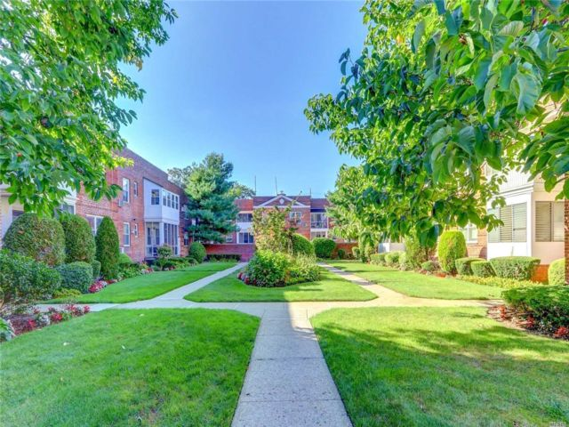 1 BR,  1.00 BTH Garden apartment style home in Lawrence