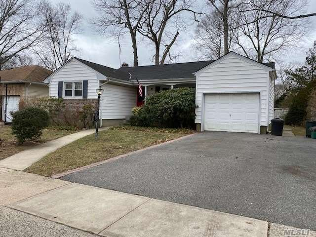 [Wantagh Real Estate, listing number 3146905]