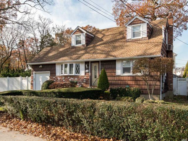 [Merrick Real Estate, listing number 3147129]