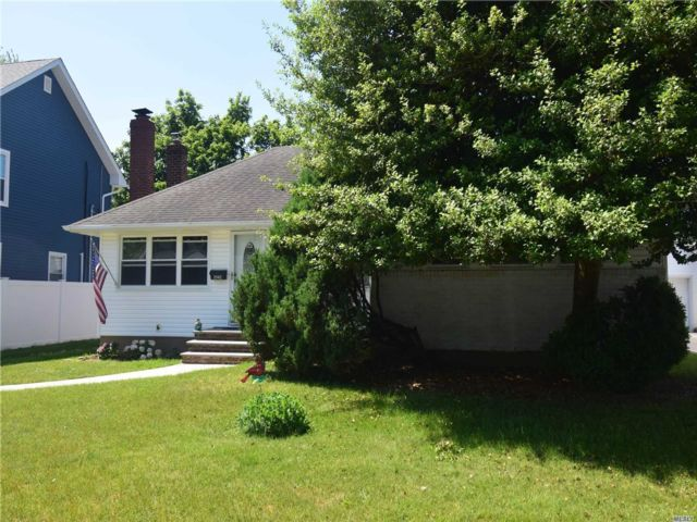 [Wantagh Real Estate, listing number 3147206]