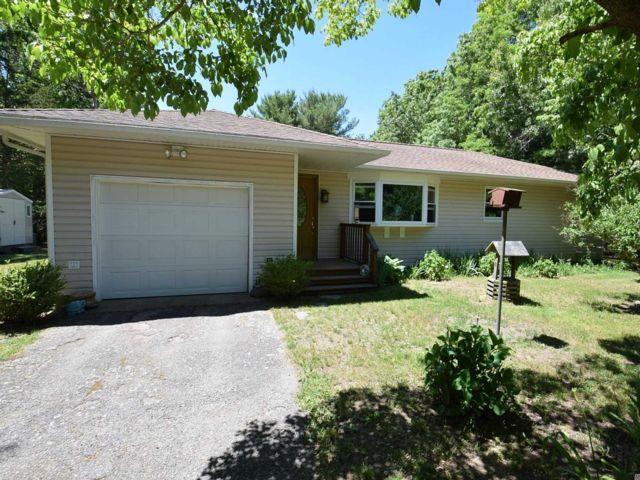 [Manorville Real Estate, listing number 3147877]