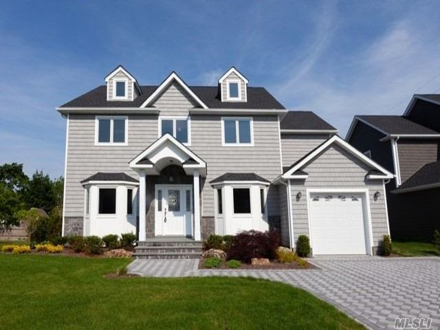 [Farmingdale Real Estate, listing number 3147892]