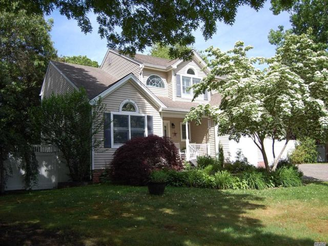 [East Moriches Real Estate, listing number 3148149]