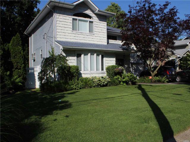 [Merrick Real Estate, listing number 3148839]