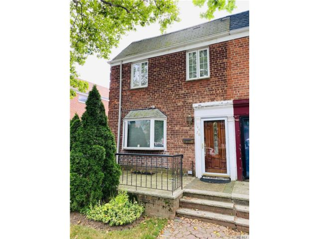 4 BR,  3.00 BTH Colonial style home in Kew Garden Hills