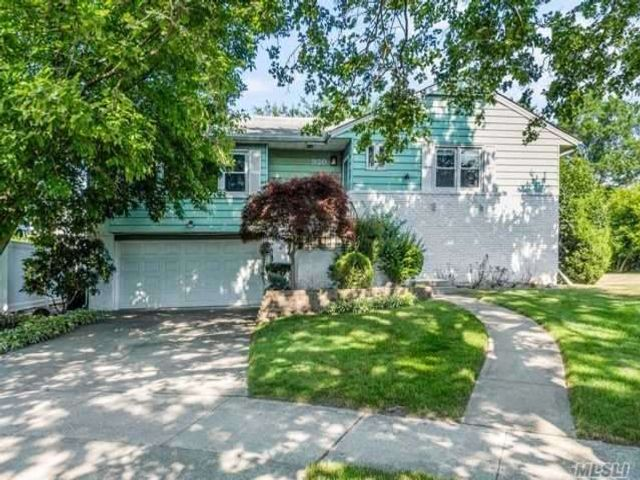 3 BR,  3.00 BTH Hi ranch style home in North Woodmere