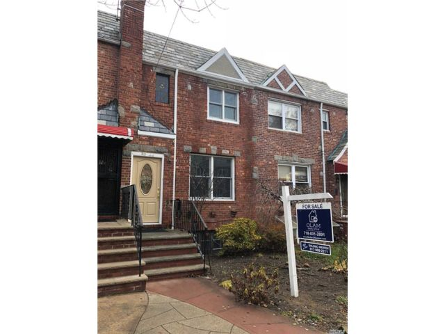 2 BR,  3.00 BTH Townhouse style home in Rego Park