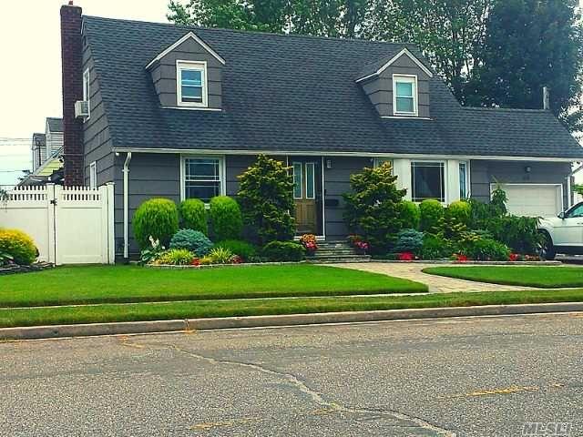 [Farmingdale Real Estate, listing number 3149515]
