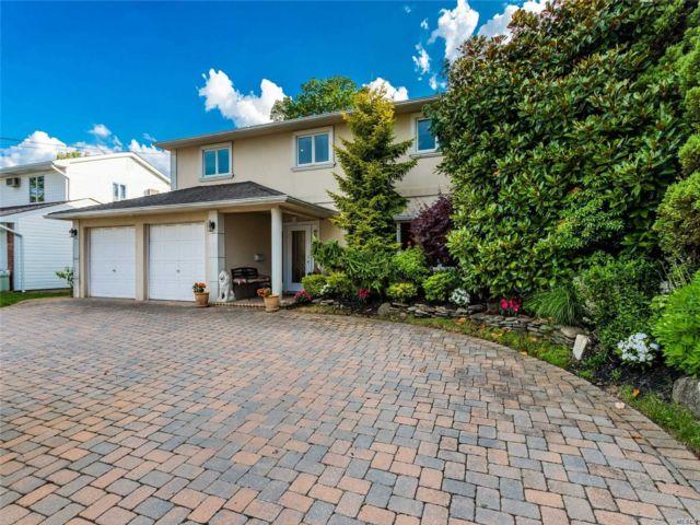 [Merrick Real Estate, listing number 3149615]