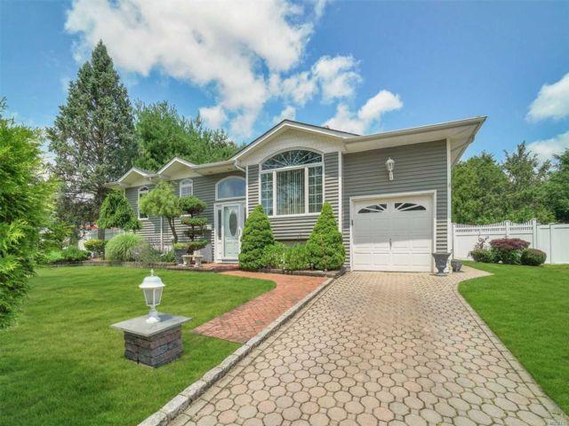 [Commack Real Estate, listing number 3150116]