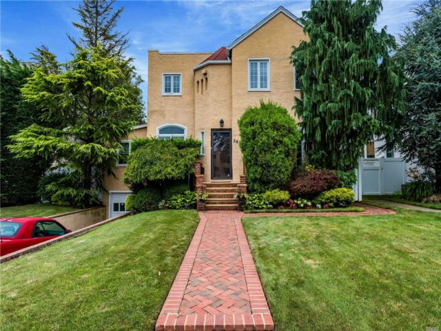 [Merrick Real Estate, listing number 3150420]