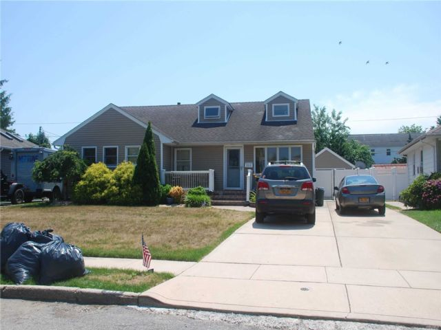 [Wantagh Real Estate, listing number 3150591]