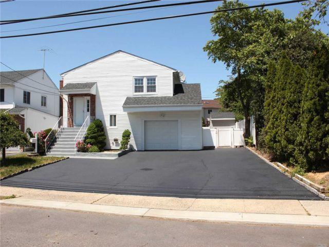 [Merrick Real Estate, listing number 3150991]