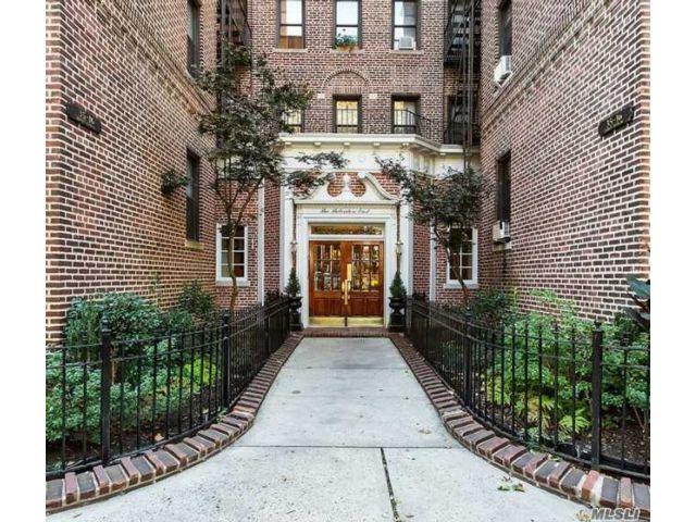 [Jackson Heights Real Estate, listing number 3151034]
