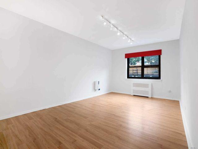 [Jackson Heights Real Estate, listing number 3151111]
