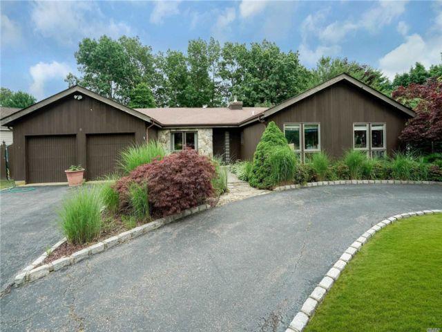 [Commack Real Estate, listing number 3151158]