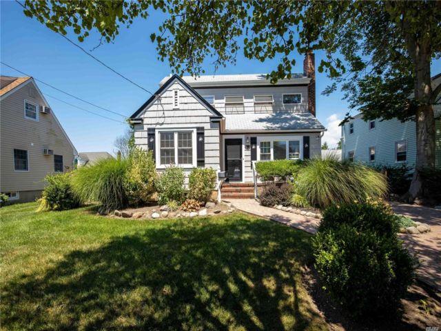 [Merrick Real Estate, listing number 3151401]