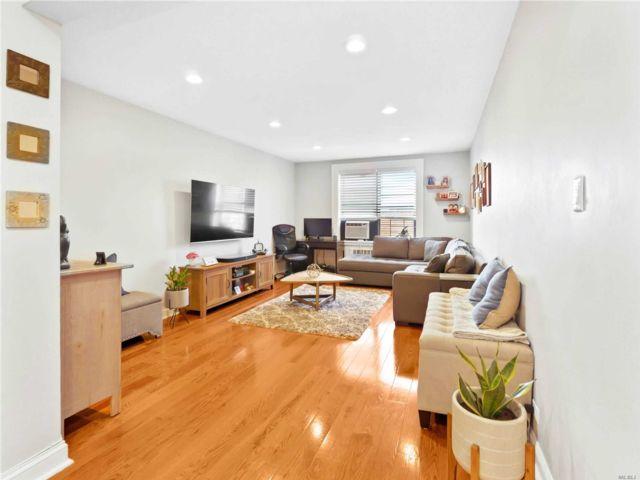 [Jackson Heights Real Estate, listing number 3151601]