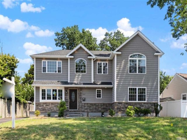 [Wantagh Real Estate, listing number 3152012]
