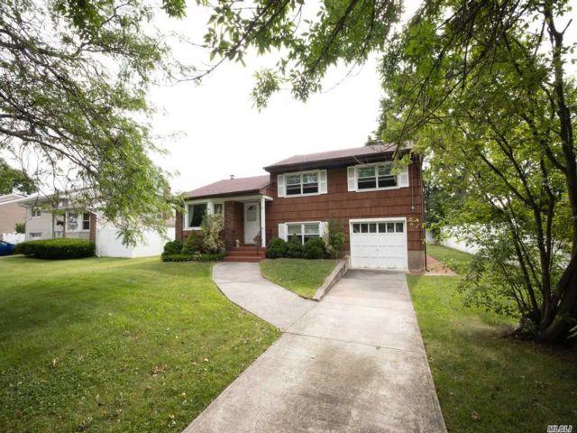 [Farmingdale Real Estate, listing number 3152096]