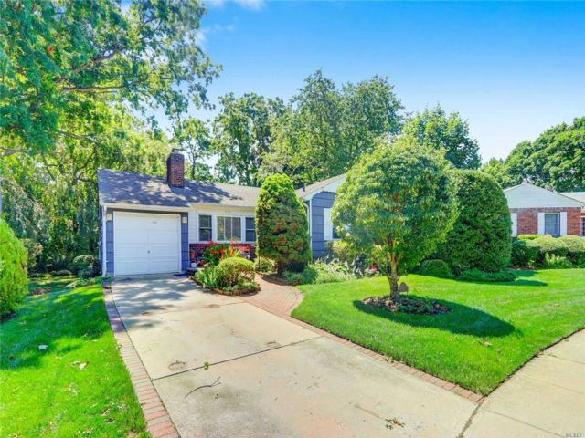 [Wantagh Real Estate, listing number 3152181]