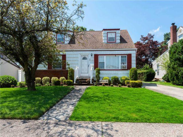 [Farmingdale Real Estate, listing number 3152261]