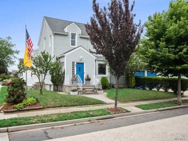 [Valley Stream Real Estate, listing number 3152363]