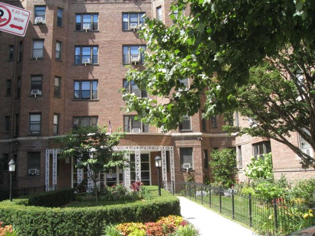 [Jackson Heights Real Estate, listing number 3152778]